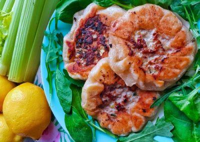 Zanzibarska pizza z selerem naciowym