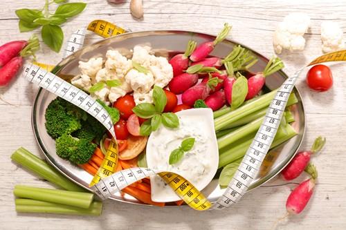 Smaczna dieta z selerem naciowym. Co zrobić, żeby odchudzanie nie było nudne?