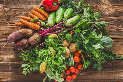 Kuchnia pięciu przemian z selerem naciowym w roli głównej – dla zdrowia i równowagi