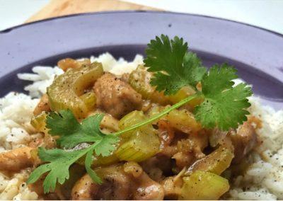 Kurczak w sosie pieprzowym z selerem naciowym