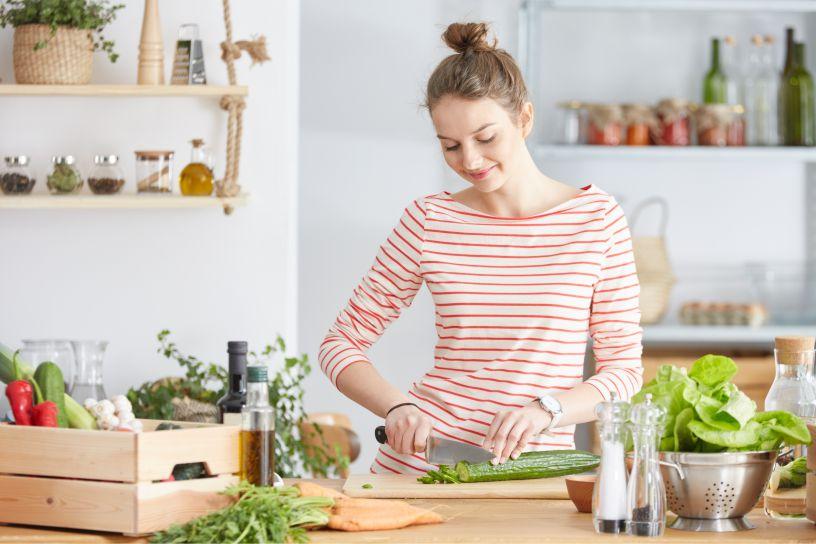 Wiosenne surówki i sałatki z selerem naciowym