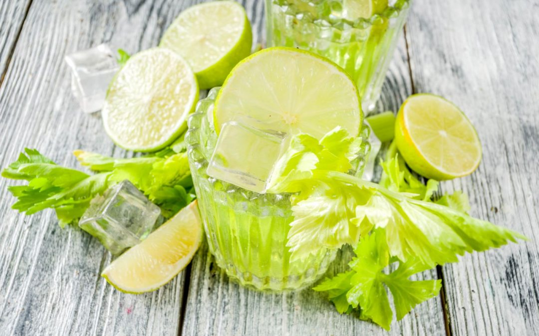 Orzeźwiające napoje na upały – z selera naciowego, warzyw i owoców