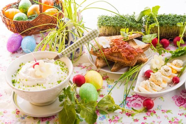 Tradycyjnie i nowocześnie – przepisy z selerem naciowym na Wielkanoc